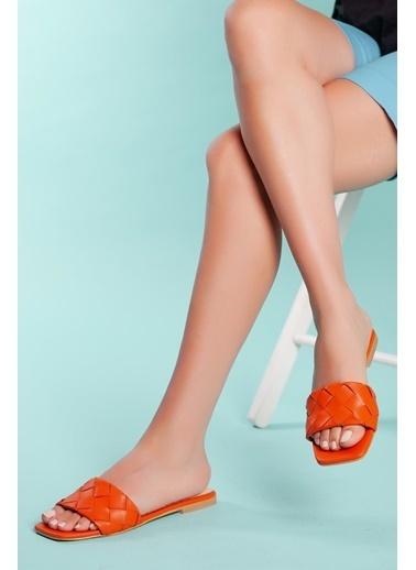 Muggo Terlik Oranj